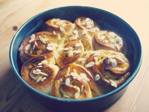 Apricot, almond and apple Chelsea buns