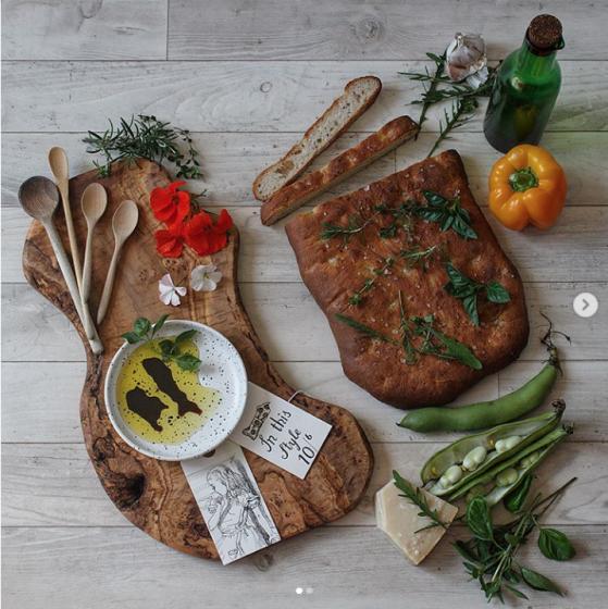 Focaccia loaf and Alice illustrations - bread shapes www.inksugarspice.wordpress.com #recipe #baking #bread @inksugarspice