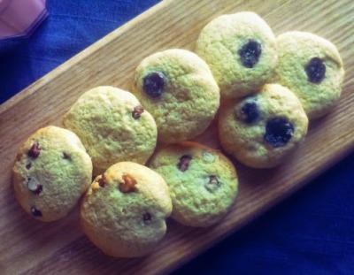 hazelnut or cherry biscuits with cocunut milk powder