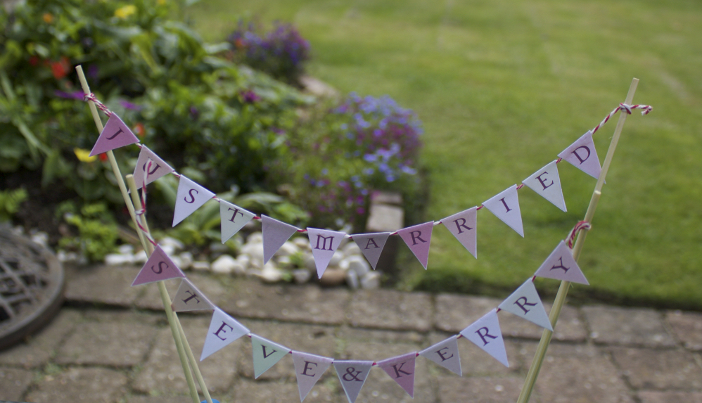 Mini bunting for wedding cake