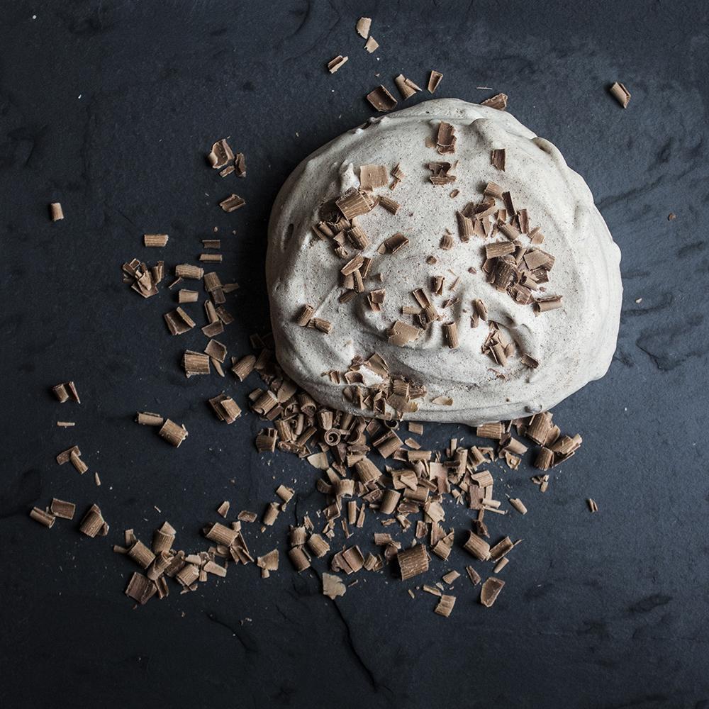 Giant chocolate meringues recipe on Ink Sugar Spice | www.inksugarspice.wordpress.com