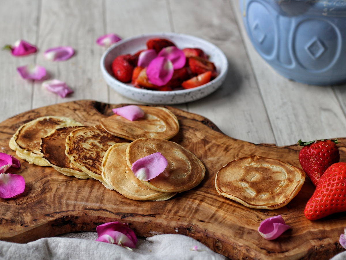 Pikelets and balsamic strawberries recipe on Ink Sugar Spice