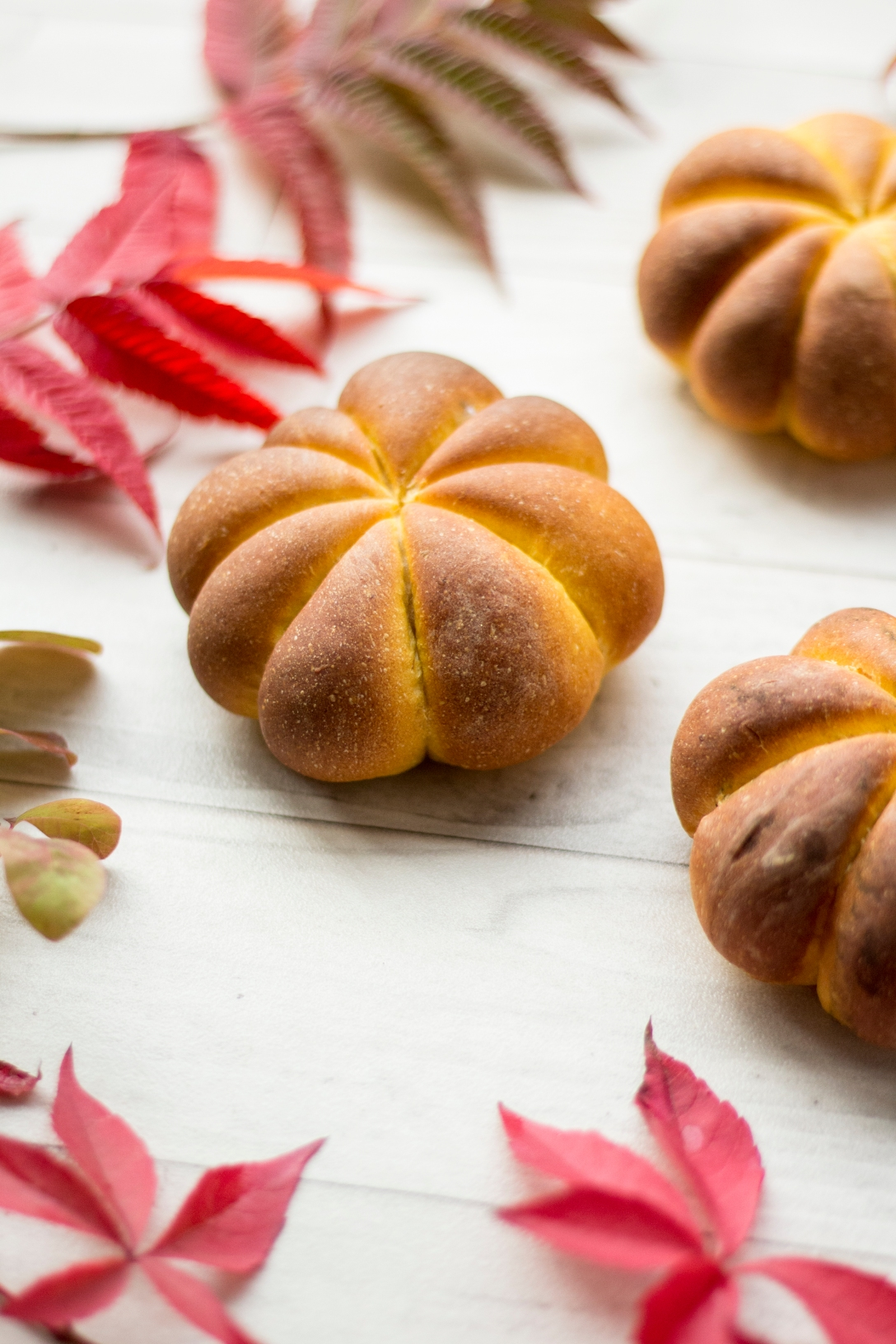 pumpkin rolls inksugarspice #pumpkin #bread